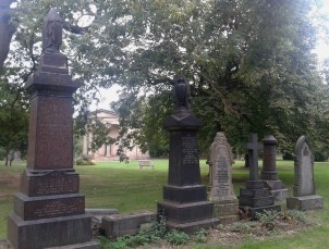 Hidden away off the main road among the university buildings, you can find the tranquil St George's Fields, the location of Leeds General Cemetery, a private Victorian cemetery where many notable local figures are buried.